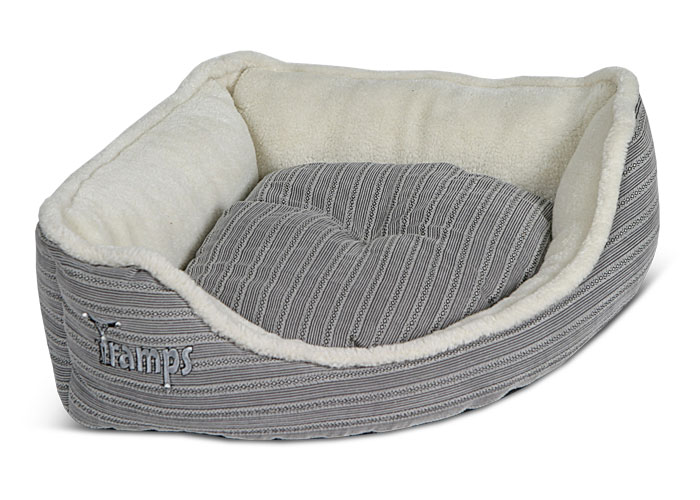 specialising in luxury cat beds uk based tramps have made. Black Bedroom Furniture Sets. Home Design Ideas